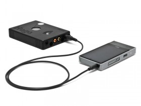FIIO XシリーズからHugoなどの同軸RCA端子へ繋ぐ時に便利